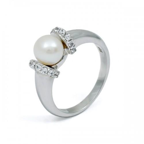 Кольцо из серебра 925 пробы с натуральным жемчугом и фианитами