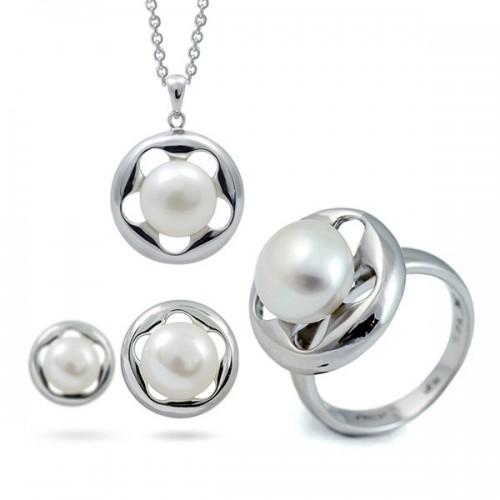 Комплект - кольцо, кулон, серьги из серебра 925 пробы с натуральным жемчугом