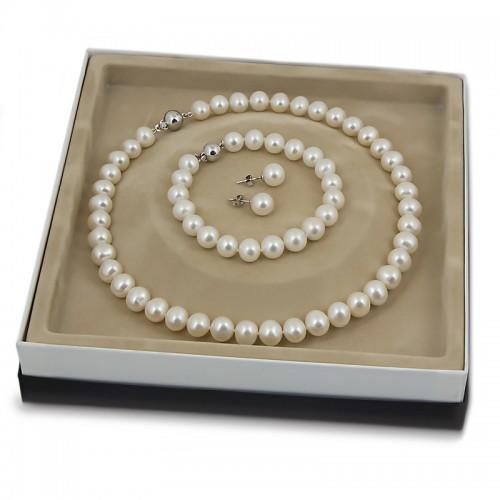 Комплект  - ожерелье, браслет, серьги-пусеты.