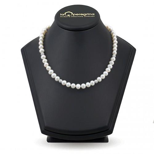 Ожерелье из жемчуга белого цвета с бусинами из серебра